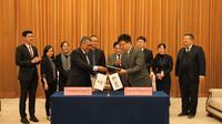 Penandatanganan perjanjian jual beli LNG di China untuk tahun 2020 antara PT Perusahaan Gas Negara (PGN) Tbk dan Sinopec.