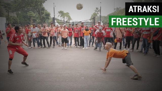 Berita video keseruan atraksi freestyle dari Sumarlin Beta bersama Jakmania saat Persija Jakarta menjadi juara Liga 1 2018.