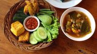 Ilustrasi nasi timbel (Instagram.com/@hiyzy_fooddiary)