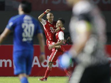 Osvaldo Haay mencetak gol pada menit ke-50 memanfaatkan umpan cantik Riko Simanjuntak. Sedangkan gol Riko Simanjuntak dicetak pada babak tambahan waktu paruh kedua melalui skema serangan balik cepat. (Foto: Bola.com/M. Iqbal Ichsan)