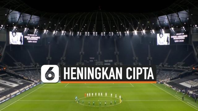 Klub Liga Eropa mengheningkan cipta selama satu menit sebelum memulai semua pertandingan UEFA Europa League untuk menghormati Diego Maradona, yang meninggal pada hari Rabu di usia 60 tahun.