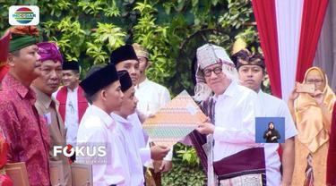 Pemerintah, melalui Kementerian Hukum dan HAM, memberikan remisi kepada 100 ribu tahanan dalam rangka memperingati Hari Kemerdekaan Indonesia ke-73, salah satunya ialah Ahok.