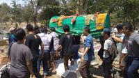 Suasana pemakaman suporter Persija yang tewas dikeroyok oleh oknum suporter Persib di kawasan GBLK Bandung akhir pekan lalu. Foto (Liputan6.com / Panji Prayitno)