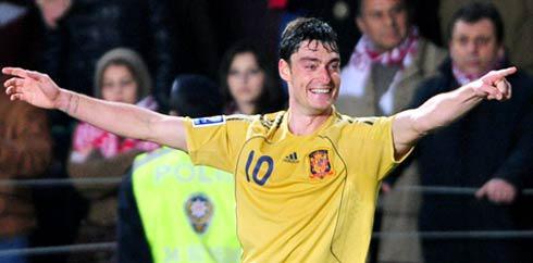 Albert Riera bersama Timnas Spanyol. (AFP/Mustofa Ozer)
