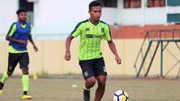 Gelandang Persebaya, Osvaldo Haay. (Bola.com/Aditya Wany)
