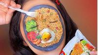 Kuliner Indonesia, Mi Instan Jadi Konsep Face Painting. (dok.Instagram @niaingrid/https://www.instagram.com/p/CAxjQnRnxsV/Henry)