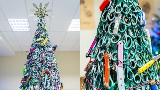 Gambar Pohon Natal Dan Kado