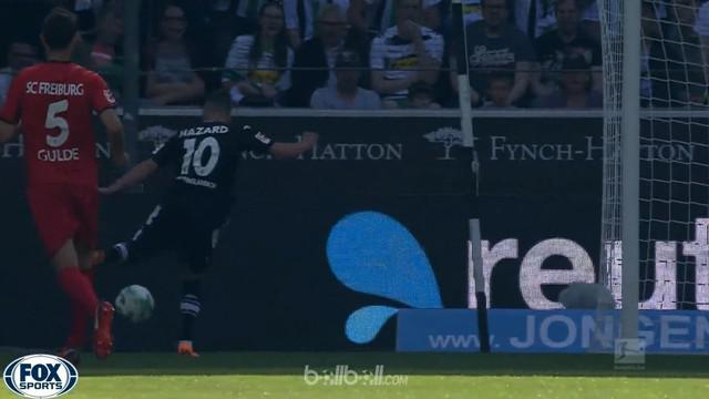 Thorgan Hazard menginspirasi kemenangan telak Borussia M'Gladbach 3-1 atas Freiburg dalam lanjutan Bundesliga, Sabtu (5/5). Hazard...