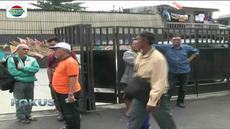 Kantor First Travel di Jakarta dan Depok disegel, menyusul ditetapkannya dua bos biro perjalanan tersebut sebagai tersangka.