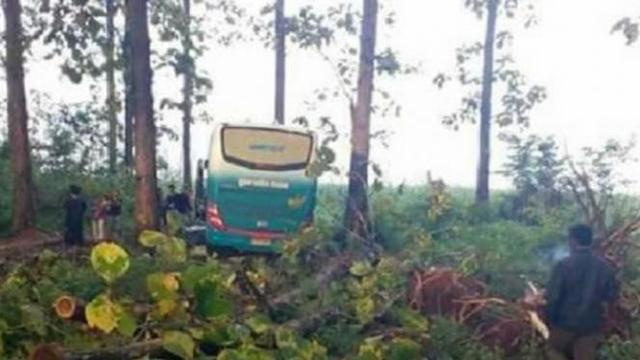 4 Kisah Horor Naik Bus Hantu, Antar Kota Hanya Ditempuh 5