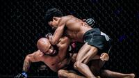 Adriano Moraes Kalahkan Demetrious Johnson di ONE Championship (Dok ONE)