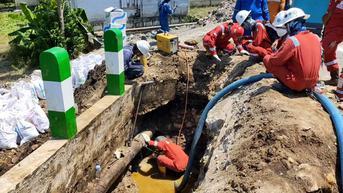 Pipa Minyak Mentah Pertamina Bocor Penuhi Sungai di Bojonegoro