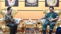 Panglima TNI menerima audiensi Kepala BKKBN Hasto Wardoyo di Markas Besar TNI, Cilangkap, Jakarta Timur pada Rabu (15/1/2020). (Dok Badan Kependudukan dan Keluarga Berencana Nasional/BKKBN)