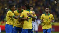 Timnas Brasil (Jeferson Guareze / AFP)