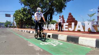 Gowes Santai Sambil Wisata Pagi di Jalan Siliwangi Cirebon, Banyak Jajanan Enak