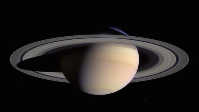 Foto resmi planet Saturnus yang diunggah NASA (Sumber: Gizmodo)