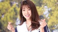 Park Shin Hye dalam acara yang ditayangkan di tvN mengungkapkan konsep bahagia menurutnya (Soompi)