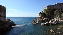 Gambar pada 28 Maret 2019 menunjukkan Benteng Lovrijenac, simbol sejarah kota Dubrovnik di Kroasia. Dubrovnik kini semakin dikenal wisatawan setelah menjadi latar belakang film serial Game of Thrones sejak 2011 untuk jejaring televisi HBO. (Denis LOVROVIC / AFP)