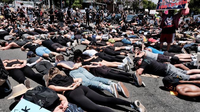 Pakar: Demo Jadi Tempat Sempurna Penularan Corona COVID-19