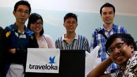 Co-Founder Traveloka Derianto Kusuma (tengah). Dok: medium.com