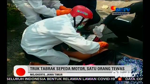 Suami istri pengendara sepeda motor menabrak truk di Jalan Raya Mlirip, Kecamatan Jetis, Kabupaten Mojokerto, Jawa Timur, Senin (20/4) siang. Akibatnya istri mengalami patah tulang kaki, sementara sang suami tewas di lokasi kejadian dengan luka parah...