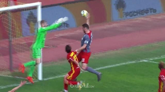 Juara Liga Rusia, Lokomotiv Moscow menyerah 2-0 di markas Arsenal Tula dalam laga yang diwarnai handball aneh Solomon Kverkvelia y...