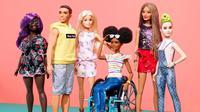 Boneka barbie yang menggunakan kursi roda. (dok. instagram.com/barbie/https://www.instagram.com/p/B0wMTksBjwO/Novi Thedora)