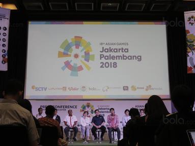 COO Emtek, Sutanto Hartono, memberi keterangan saat jumpa pers di SCTV Tower, Jakarta, Kamis, (8/2/2018). Emtek Group akan menayangkan siaran Asian Games 2018. (Bola.com/M Iqbal Ichsan)