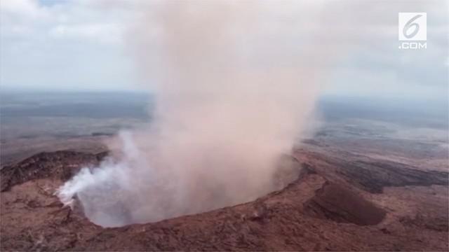 Gunung Kilauea di Hawaii dilaporkan kembali erupsi pada senin, 7 Mei 2018, melepaskan aliran lava ke wilayah pemukiman, mendorong perintah evakuasi bagi warga di sekitarnya.