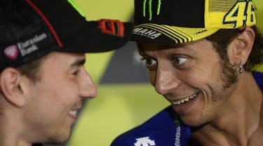 Jorge Lorenzo dan Valentino Rossi ( AFP PHOTO / JOSEP LAGO )