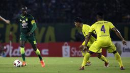 Makan Konate - Saat masih berseragam Arema FC, Makan Konate pernah mempermalukan Persebaya dan menjadi man of the match dalam laga Derby Jatim, Arema FC vs Persebaya pada 15 Agustus 2018 silam. (Bola.com/Yoppy Renato)