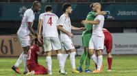 Pemain Palestina merayakan kemenangan atas Indonesia pada laga Asian Games di Stadion Patriot, Jawa Barat, Rabu (15/8/2018). Indonesia takluk 1-2 dari Palestina. (Bola.com/Vitalis Yogi Trisna)