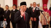 Presiden Joko Widodo melantik Teten Masduki sebagai Kepala Staf Presiden (KSP) di Istana Negara, Jakarta, Rabu (2/9/2015). Teten menggantikan Luhut Binsar Panjaitan yang diangkat menjadi Menkopolhukam. (Liputan6.com/Faizal Fanani)
