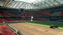 Stadion ini dibangun mulai 1993 hingga 1996 dengan biaya mencapai 140 juta Euro dan menjadi yang terbesar di Belanda. Mampu menampung jumlah penonton sebanyak 56.000 tempat duduk dan di saat pertunjukan musik mampu menampung 68.000 pengunjung. (AFP/Koen Suyk/ANP)