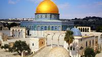 Masjid Al-Aqsa, Yerusalem dipercaya sebagai tempat Rasulullah naik ke surga dalam peristiwa Isra Mi'raj.