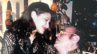 Tamara Bleszynski bersama ayahnya Zbigniew Bleszynski.  Sang ayah mengajarkan Tamara tentang beragam cita rasa kuliner Indonesia (Dok.Instagram/@tamarableszynskiofficial/https://www.instagram.com/p/B6IhMuhF4KE/Komarudin)