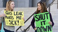 Aksi demo akibat kebocoran gas di sebuah kota di Los Angeles, Amerika Serikat. (Reuters)