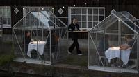 Rumah Makan Kaca Saat Lockdown di Belanda (AP/Peter Dejong)
