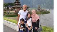 Momen liburan Okie Agustina ke Bali (Sumber: Instagram/okieagustina_)