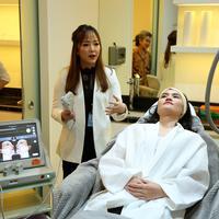 Acara pembukaan Klinik Wonjin pertama di Indonesia. (Daniel Kampua/Bintang.com)