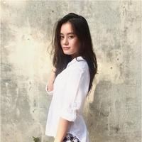 Kasus foto panas Prilly Latuconsina belum usai, kini Dinda Hauw juga mengalami nasib yang sama. (via Instagram/Dinda Hauw)