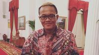 Sule merupakan seorang komedian, penyanyi, dan aktor Indonesia