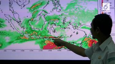 Badan Meteorologi Klimatologi dan Geofisika mengimbau masyarakat agar waspada menghadapi tingginya intensitas hujan dalam seminggu ke depan.
