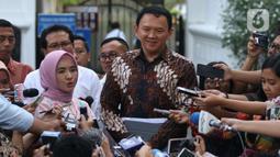 Komisaris Utama Pertamina Basuki Tjahaja Purnama memberikan keterangan usai menemui Presiden Joko Widodo di Istana, Jakarta, Senin (9/12/2019). Pertemuan tersebut Presiden meminta agar memperbaiki defisit neraca perdagangan kita di sektor petrokimia dan migas. (Liputan6.com/Angga Yuniar)