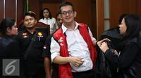 Jupiter Fortissimo berusaha terlihat tegar meski divonis 2,5 tahun penjara oleh Pengadilan Negeri Jakarta Barat, Selasa (29/11/2016). (Foto: Herman Zakharia/Liputan6.com)