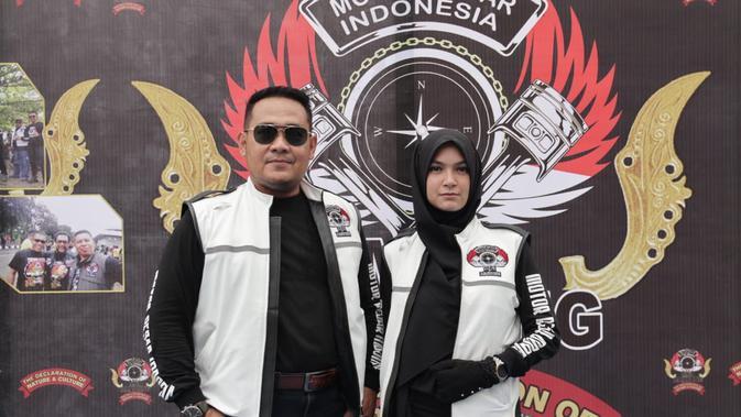 Kia Poetri dan Wakil Ketua MBI, Bambang Rianto (Liputan6.com/ Hernowo Anggie)#source%3Dgooglier%2Ecom#https%3A%2F%2Fgooglier%2Ecom%2Fpage%2F%2F10000