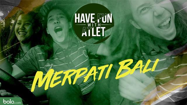 Tim basket putri, Merpati Bali, melakukan tantangan naik mobil berlima belas yang diadakan oleh Bola.com.