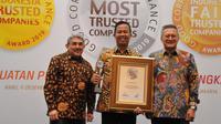 PT Bukit Asam Tbk mendapatkan penghargaan Indonesia Most Trusted Companies dari Majalah SWA