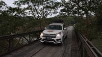 Perjalanan Terios 7 Wonder Borneo Wild Adventure menyambangi penangkaran buaya di Balikpapan, Kalimantan Timur.