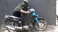 Ilustrasi maling motor | Via: palembang.tribunnews.com